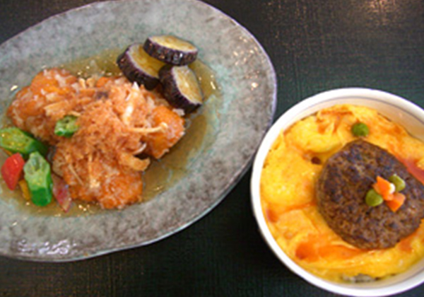 チキン竜田揚げと卵かけハンバーグ丼セット