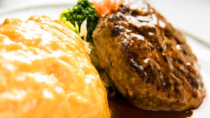 米沢牛ハンバーグとオムハヤシセット