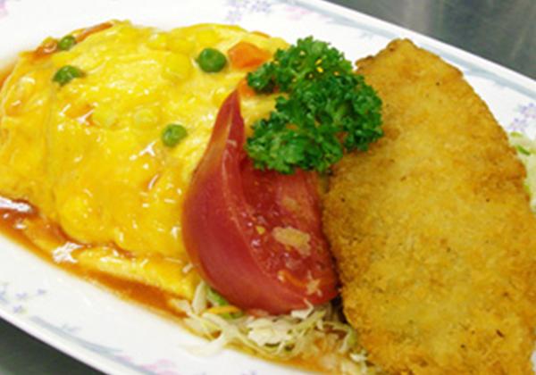 オムハヤシライスと白身魚フライセット