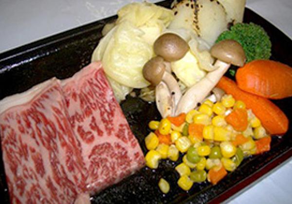 米沢牛サーロインステーキと彩り温野菜セット